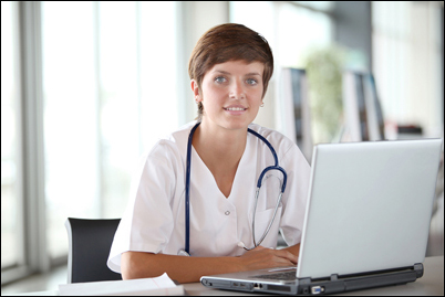Nurse taking course from AAACEUs with an Unlimited CEUs Subscription